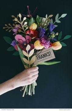 どのお花にする?こどもも喜ぶ♪イベントに最適な「ペーパーフラワー」の作り方7選