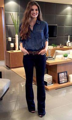 497d280691 Look Camila Queiroz Camisa Jeans + Calça Flare Look Calça Flare