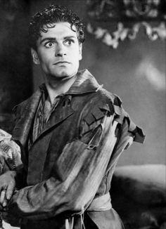 "Laurence Olivier en""Inglaterra en llamas"" (Fire over England), 1937"
