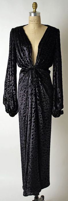 1985 Yves Saint Laurent Evening dress Metropolitan Museum of Art, NY (loại ảnh :art)