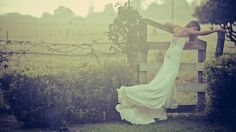 Pictures for Desktop: bride wallpaper - bride category