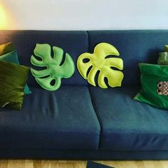Monstera Deliciosa, Felt pillow 100 % wool felt, stuffed with needle felt. Contact me for more information Home Crafts, Diy And Crafts, Arts And Crafts, Diy Pillows, Throw Pillows, Sewing Crafts, Sewing Projects, Felt Pillow, Diy Cushion