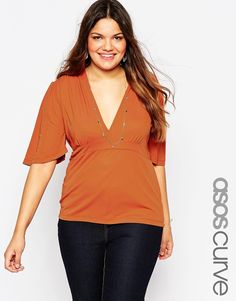 Plus-size top by ASOS CURVE Smooth knitted fabric V-neckline Ruched front desgin Fitted seam under the bust Regular fit - true to size Machine wash Polyester Our model wears a UK 14 Fashionable Plus Size Clothing, Plus Size Fashion For Women, Plus Size Womens Clothing, Plus Size Outfits, Clothes For Women, Asos Curve, Curve Tops, Plus Size Kleidung, Models