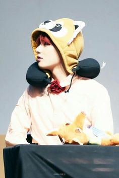 Tae tae  so handsome.