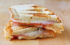 Mozzarella sandwich
