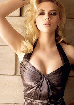 List of Scarlett Johansson's Loves Hookups