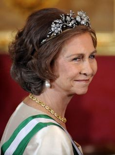 a good close up of Sofia wearing the diamond floral tiara