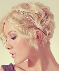 bridal short hairstyles. Blond bride with short hair cut and accessories. perfect wedding style!