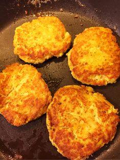 Veggie Cakes, Lchf, Cornbread, Good Food, Veggies, Vegetarian, Dinner, Eat, Ethnic Recipes