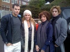 Find images and videos about alice, jasper and rosalie on We Heart It - the app to get lost in what you love. Alice Twilight, Twilight 2008, Twilight Saga Series, Twilight Cast, Twilight Pictures, Twilight Series, Twilight Movie, Rosalie Twilight, Vampire Twilight