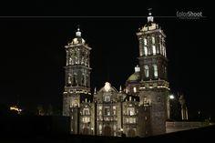 colorshoot >> DAILY PHOTO.  México, Puebla, catedral, night.