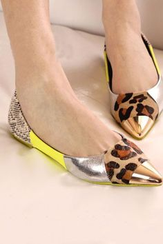 Chic Python Leopard Pointed-toe Flats with Metal Toecap