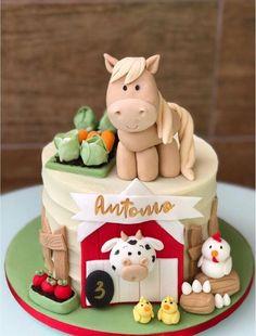 Bolo Grande, Barnyard Cake, Animal Birthday Cakes, Horse Cake, Biscuits, Desserts, Food, Color Cake, Farm Cake