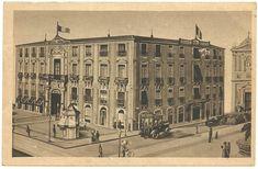 Unwritten vintage postcard from Italy. Image: Catania, Piazza Università, Grand Hotel Bristol. Ed. F.I.A.R. - Milano