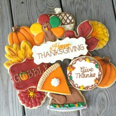Thanksgiving (Decorated Cookies) - Paige's Home Turkey Cookies, Fall Cookies, Iced Cookies, Cut Out Cookies, Cute Cookies, Holiday Cookies, Cupcake Cookies, Cookies Et Biscuits, Halloween Cookies Decorated