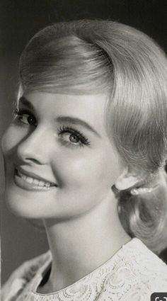 Diane McBain Old Hollywood Glamour, Classic Beauty, Old Women, How Beautiful, 1950s, The Past, Lady, Beauty