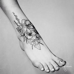 #flowers #linework #dotwork #black #tattoo #msk #мск #moscow #москва #fedornozdrin