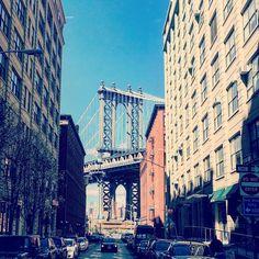 Manhattan Bridge from DUMBO ダンボから見えるマンハッタンブリッジ