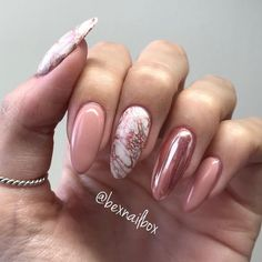 Bluesky Gel Polish (Index & Little) (Thumb & Middle) Base for Marble (Ring) Base for Chrome Marble stamping with marbled plate silver stamping polish Rose Chrome polish Tiara for Chrome ✨ Bluesky Nails, Bluesky Gel Polish, Silver Nails, Pink Nails, My Nails, Rose Gold Nails Chrome, Classy Nails, Trendy Nails, Shellac Nails