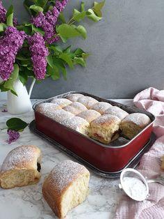 Buchty ako od babičky | Recepty - Mykitchendiary.sk Bread, Basket, Breads, Baking, Sandwich Loaf