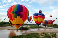 Albuquerque International Balloon Fiesta in New Mexico.  This 9-day-long festival is the largest in the world attracting around 750 balloons. It takes place during the first week of October------------Hot-Air Balloon Festivals From Around The World (26 Images)   Streetloop