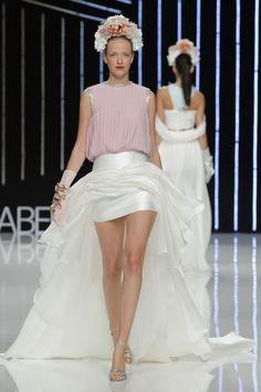 Vestidos de fiesta Isabel Sanchis 2017: diseños vanguardistas que te sorprenderán Image: 16