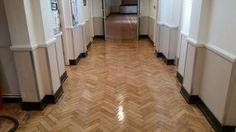 FLOOR Sanding and Varnishing a Wooden Floor
