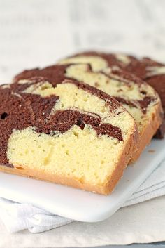 A recipe for marble pound cake from Anna Olson. This marble loaf cake has a great buttery flavour and a lovely texture. The chocolate cake part is made with dark chocolate. It's the perfect accompaniment for afternoon tea. Marble Pound Cakes, Marble Cake Recipes, Dessert Recipes, Marble Cake Recipe Moist, Marble Cake Recipe With Oil, Easy Pound Cake, Pound Cake Recipes, Food Cakes, Cupcakes