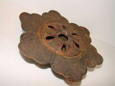 RARE VICTORIAN ANTIQUE CAST IRON METAL FLOWER FROG US MADE OLD VINTAGE ORIGINAL