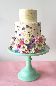 From classic white cakes to colourful confections, and rustic naked cakes to minimal designs, we've rounded up our favourite wedding cake trends. Edible Flowers Cake, Birthday Cake With Flowers, Wedding Cakes With Flowers, Cake Birthday, Colourful Wedding Cake, Pretty Cakes, Beautiful Cakes, Amazing Cakes, Naked Cakes