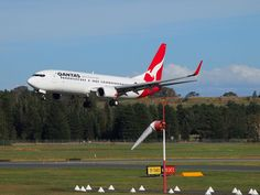 Qantas Fleet Boeing Details and Pictures. Qantas seat map, seating chart, cabin interior layout, seat pitch extra legroom, business and economy class. Qantas Airlines, Brisbane Airport, Airbus A380, Cabin Interiors, Business Class, Sunshine Coast, Seating Charts, South Pacific, Pitch
