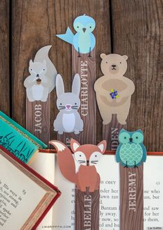Woodland Friends Bookmarks - I just LOVE LOVE LOVE free printable bookmarks. These are great for any age and customizable with your choice of name(s) Free Printable Bookmarks, Cute Bookmarks, Free Printables, Bookmarks For Kids, Personalized Bookmarks, Kids Crafts, Craft Projects, Projects To Try, Family Crafts
