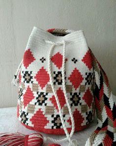 Filet Crochet, Crochet Stitches, Knit Crochet, Crochet Handbags, Crochet Purses, Wiggly Crochet, Mochila Crochet, Tapestry Crochet Patterns, Tapestry Bag