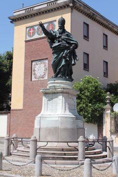 Statua di papa Giovanni II
