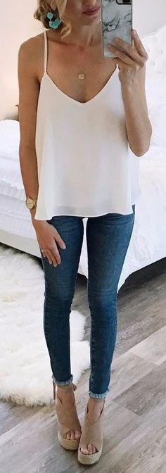 what to wear with skinny jeans