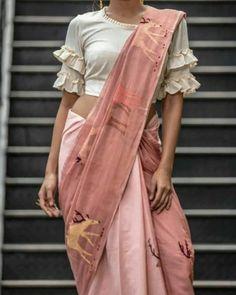 Design & colour contrast for dusky skin Saree Blouse Neck Designs, Saree Blouse Patterns, Fancy Blouse Designs, Designer Blouse Patterns, Latest Blouse Designs, Neckline Designs, Viria, Stylish Blouse Design, Saree Trends