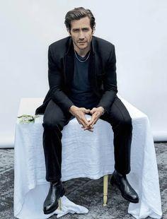 Elle Us, Chris Pine, Jake Gyllenhaal, Famous Men, Vogue Magazine, White Man, Keanu Reeves, Beautiful Men, Sexy Men