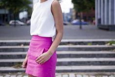 how we love hot pink, skirts...  walking on sunshine:-) via:inthebuffandblue