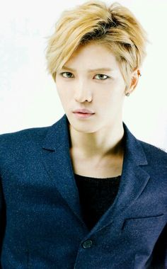 Blonde Jaejoong.