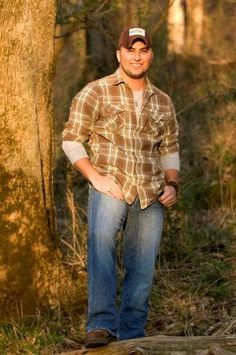 """Tyler Farr...the newest addition to my """"country music boyfriend"""" list! Along with Brantley Gilbert and Chris Young ❤❤❤"""