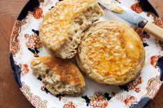 パンみたいなパンケーキ!?もっちもちの「クランペット」の作り方 | iemo[イエモ]