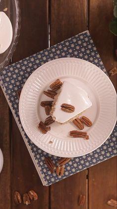 Que tal esse delicioso bolo camafeu servido com uma xícara de café no fim do dia?