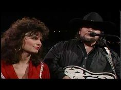 Waylon Jennings & Jessi Colter - Honky Tonk Angels.