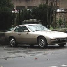This will be my first porsche 924...(silver or red)