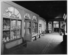 Shop Lane, Andre Kertesz, Winterthur