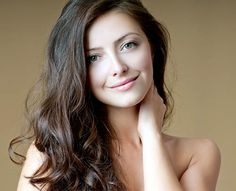 Conheça dicas e cuidados para tratar cabelos ressecados e aprenda uma super receita caseira para hidratar seus cabelos! http://salaovirtual.org/tratamento-cabelo-ressecado/ #tratamentos #cabelossecos #salaovirtual