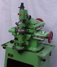 Used Milling Machines For Sale - Anglo-Swiss Tools Love Machine, Small Milling Machine, Metal Working Machines, Metal Mill, Robot Factory, Tool Room, Machinist Tools, Metal Projects, Atelier