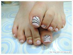 겨울 젤패디아트로 전해지는 여성스러움 여성스러운 핑크빛으로 물든 발톱~~ ...