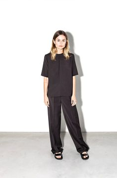 Moe Oslo is a contemporary women's clothing brand with Scandinavian roots. Oslo, Trousers, Management, Normcore, Van, Suits, Clothes For Women, Sleeve, Model