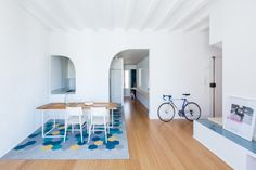 Built by CAVAA Arquitectes in Vilanova i la Geltrú, Spain These Vilanova dwellings with load-bearing walls structure were initially defined as a disorganized house without h...